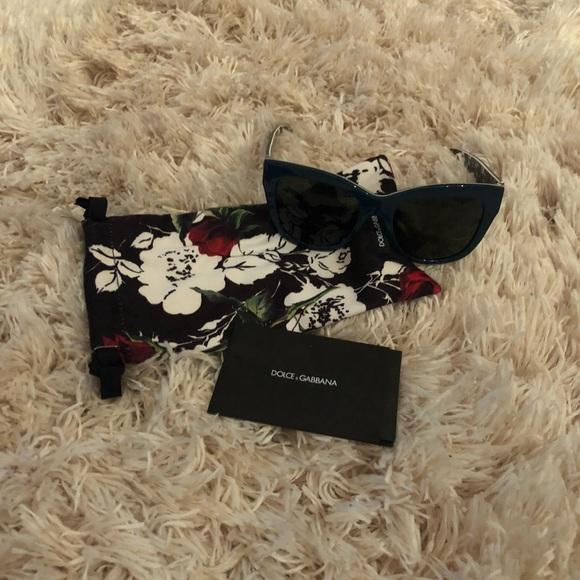 33666f58cf Dolce   Gabbana Accessories - Dolce   Gabbana DG 4270 Sunglasses FINAL  DROP! 🤑